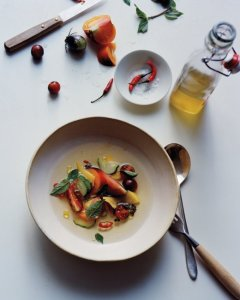 tomato-and-mango-salad-md109341_vert